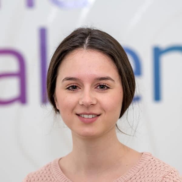 Laura-Isabelle Hans, Projektmanagerin bei VRM Digital