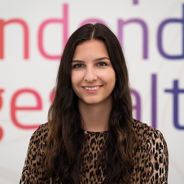 Mona Strieder, Auszubildende bei VRM Digital